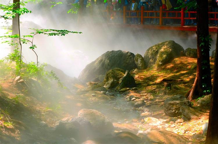 杭州孤山公园人造雾造景